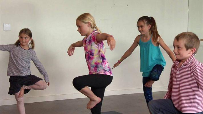 Lợi ích trẻ em tập yoga