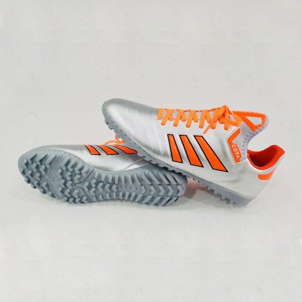 Giày bóng đá nhân tạo Copa màu bạc
