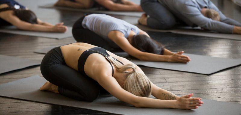 Tập Yoga cần tránh những thói quen sai lầm này
