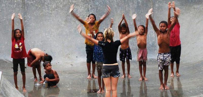 Tăng sức đề kháng vượt qua mùa mưa gió với yoga