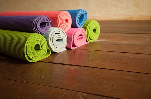 Tất tần tật những điều bạn nên biết khi mua thảm tập gym