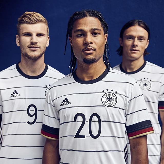 Áo đội tuyển đức sân nhà